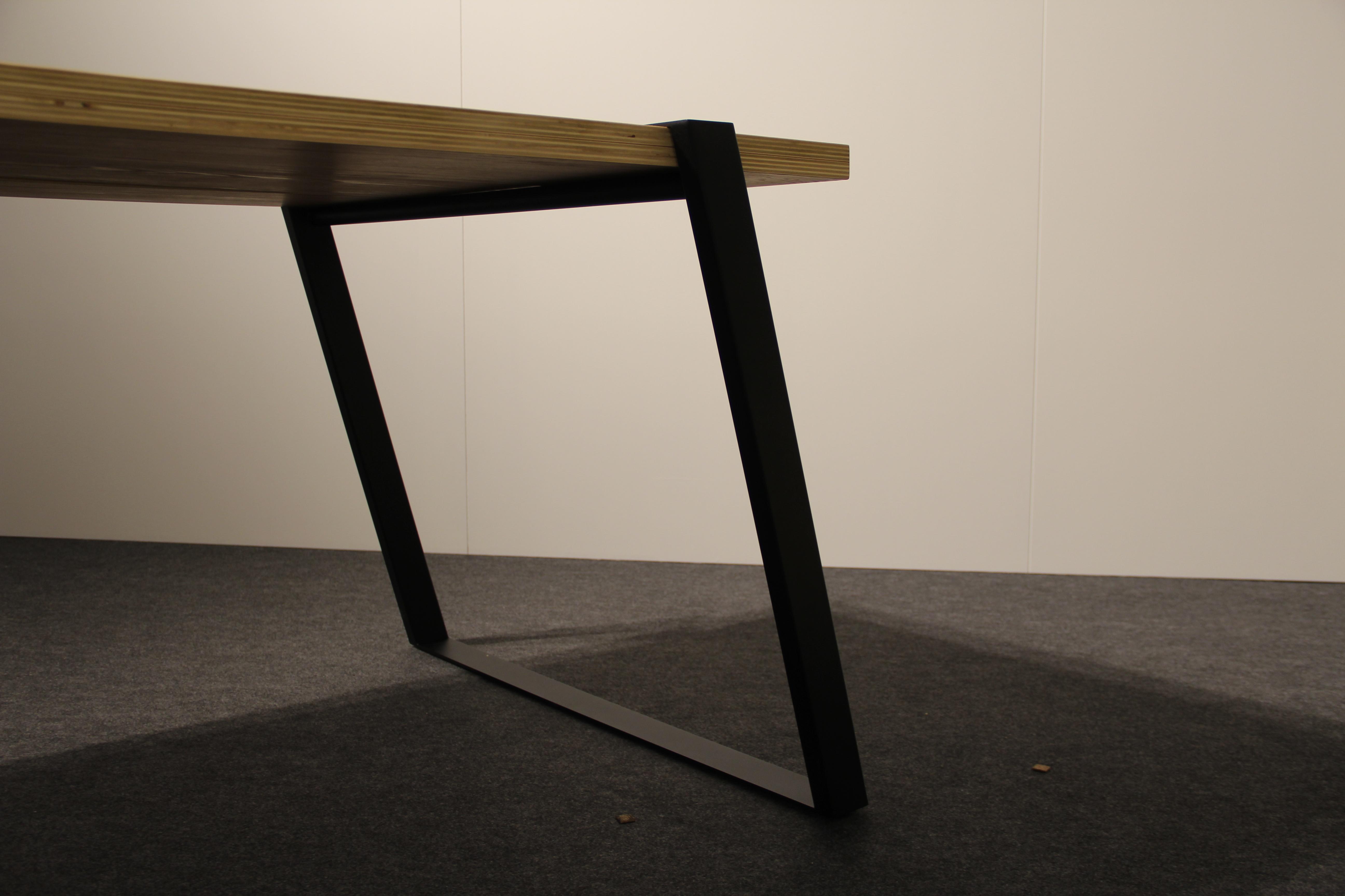 De (de)monteerbare designtafel