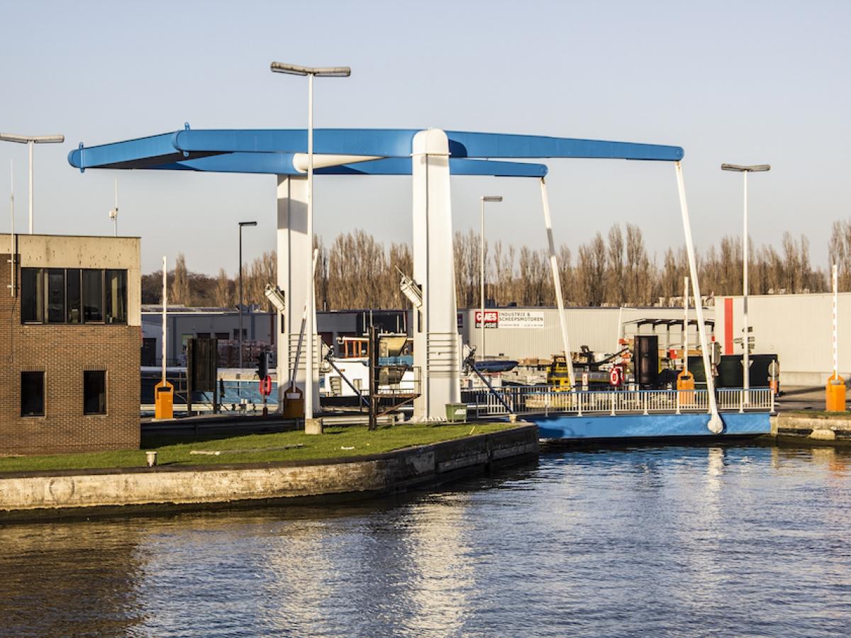 Boottocht onder Antwerpse bruggen