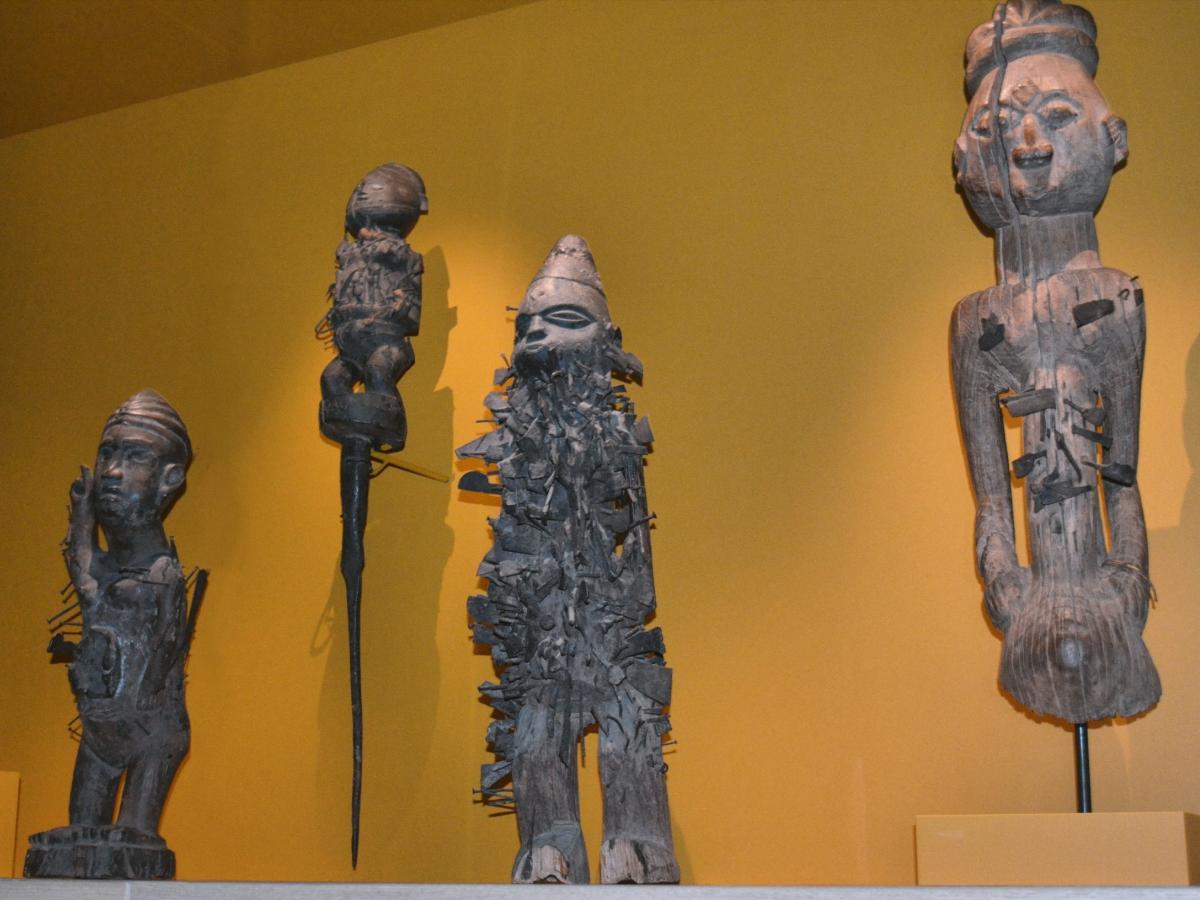 Congolese kunst en standbeelden