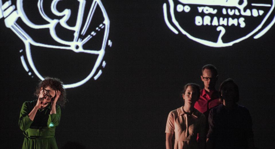 Beeld uit voorstelling BerBerio van Zonzo Compagnie en Revue Blanche