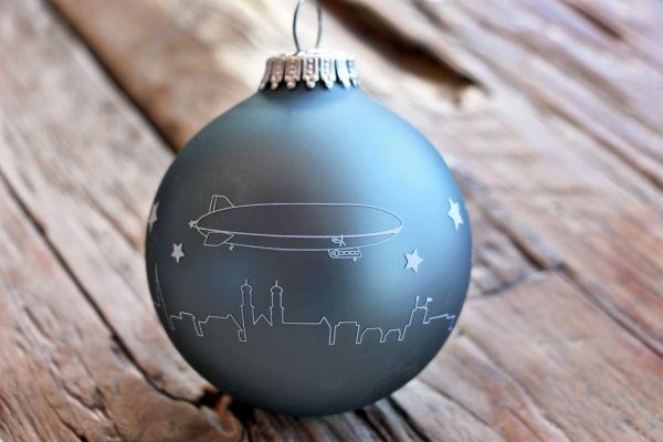 "Weihnachtskugel Glas ""Zeppelin"""