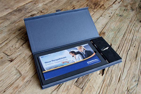 Gutscheinbox mit Kugelschreiber+3D-Pin