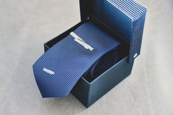 Zeppelin Krawatte aus Seide inkl. Zeppelin Krawattenklammer