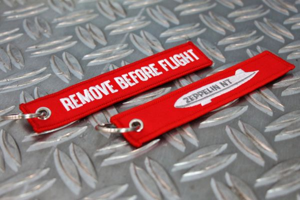 "Schlüsselanhänger ""Remove Before Flight"""