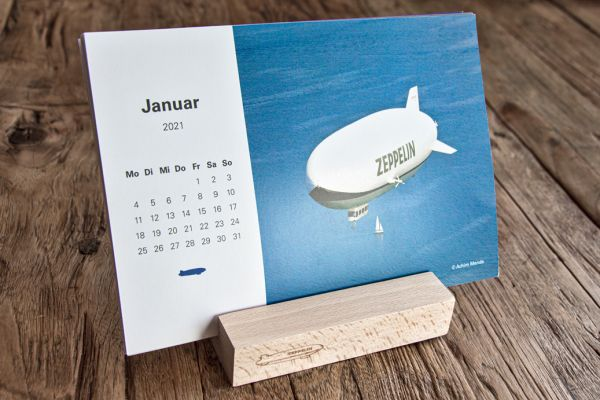Tischkalender - Kalender 2021 mit Holzfuß